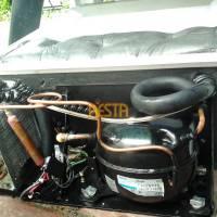 Oryginalnie zamonowana sprężarka Danfoss bd35f w lodówce volvo P2652